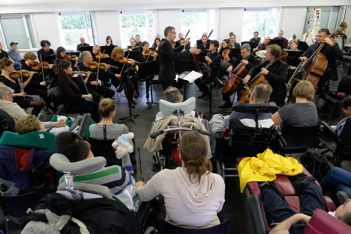 Het optreden van het Antwerp Symphony Orchestra in Zevenbergen.