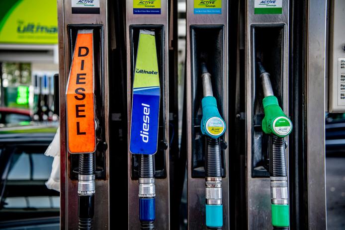 Diesel en benzine krijgen nieuwe codenamen die in de gehele Europese Unie hetzelfde zijn.