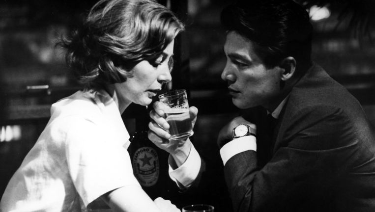 Emmanuelle Riva en Eji Okada in de naoorlogse klassieker Hiroshima mon amour (1959). Beeld Courtesy Everett Collection