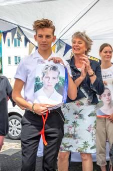 Voice-winnaar Dax Hovius huilend te zien in nieuwe campagne: 'Toen ik gepest werd, had dit het verschil kunnen maken'