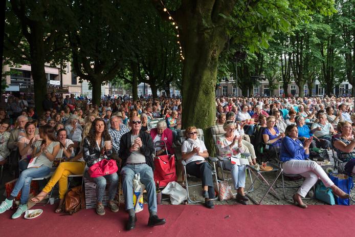 Een volle Parade in Den Bosch, deze keer bij opera La Traviata..