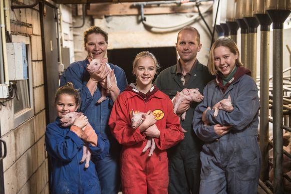 Familie Verniest   Boerenjaar, nieuw vanaf 7 januari om 21h30 op VIER