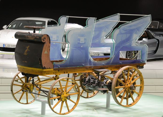 eerste elektrische auto