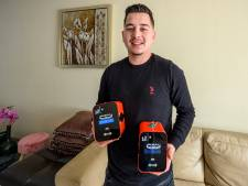 Alperen (20) handelt in 'uniek concept': oplaadkastjes voor mobiele telefoons