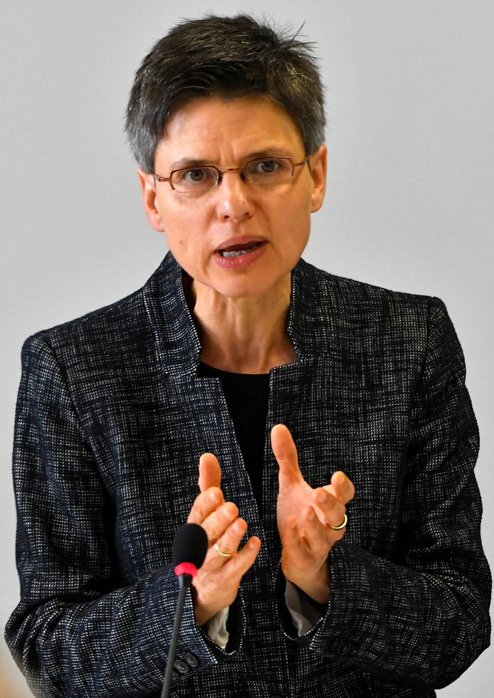 Cathy Berx, gouverneur.