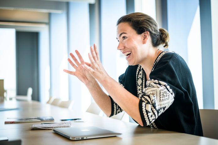 Prof. dr. Sarah L. de Lange van de faculteit der maatschappij- en gedragswetenschappen aan de Universiteit van Amsterdam UVA is gespecialiseerd in populisme. 'Bij existentiële dreigingen van externe aard worden leiders door de bevolking positiever gewaardeerd.'