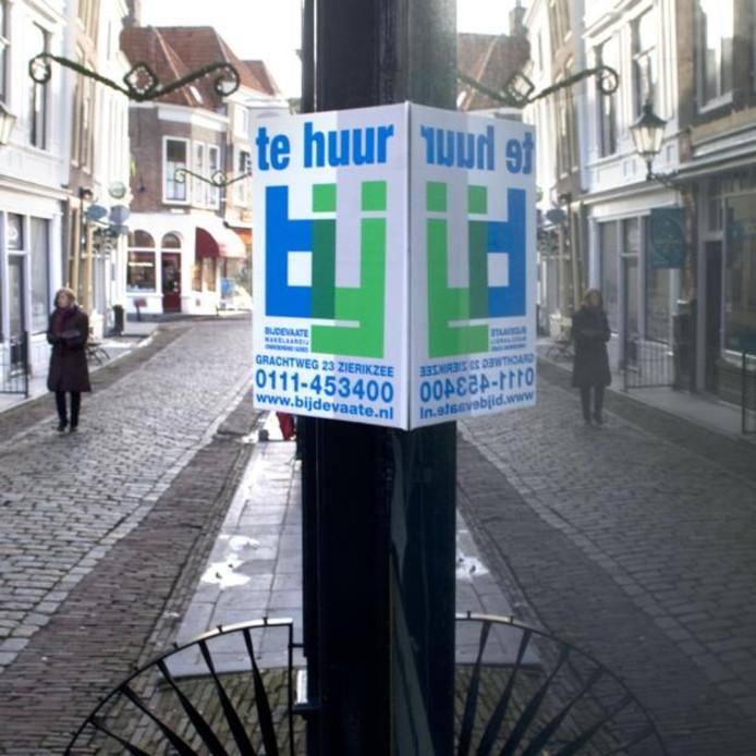De Melkmarkt is één van de door leegstand van winkels geplaagde straten. foto Dirk-Jan Gjeltema