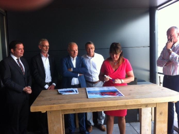 De betrokken partijen ondertekenen woensdagochtend een overeenkomst over de truckparking.