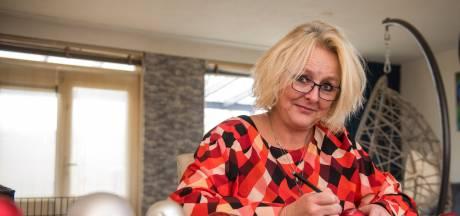 Esther van Dingenen uit Eindhoven in zonnetje gezet: 'Iedereen zou vrijwilligerswerk moeten doen'