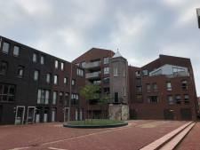 Gedicht op nutsgebouwtje is sluitstuk van nieuwbouw Koningshof in Gouda