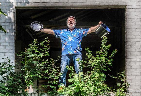 Wim Opbrouck roept op om op zaterdag 30 mei om 22.30 uur massaal lawaai te maken, met potten en pannen.
