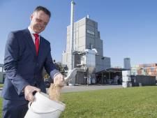 Twents bedrijf laat Zweedse auto's rijden op 'zaagsel'
