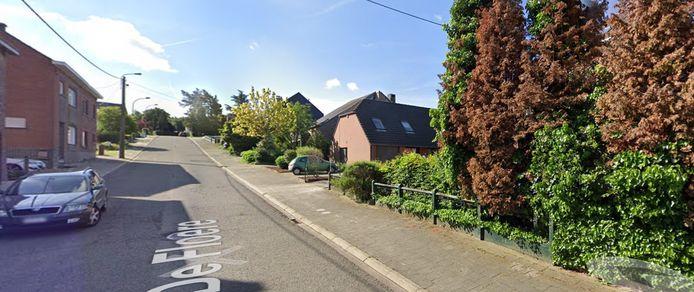 Een ontwikkelaar wil achter de huizen op De Floere in Halle (rechts op de foto) een nieuwe verkaveling realiseren.