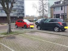 Boetes voor foutparkeerders in Sterrenburg