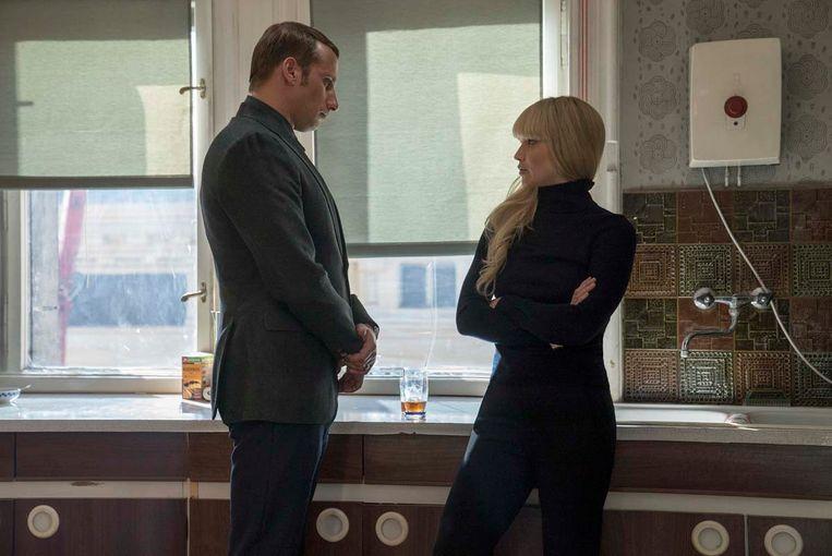 Matthias Schoenaerts en Jennifer Lawrence in 'Red Sparrow'.