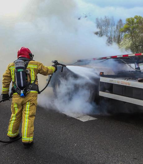 N612 bij Lierop weer open na problemen met brandende vrachtwagen