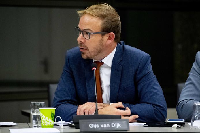 Gijs van Dijk (PvdA) tijdens een vergadering van de Kamercommissie voor Infrastructuur en Waterstaat.
