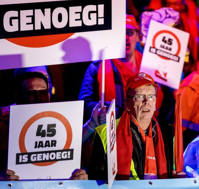 Actievoerders in Ahoy tijdens de laatste landelijke actiedag voor een goed pensioen, half maart van dit jaar.