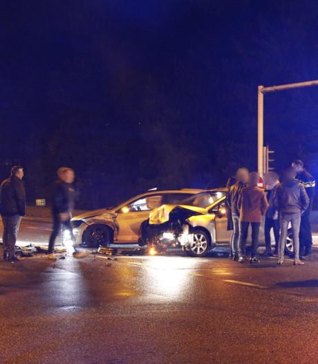 Flinke aanrijding op kruispunt in Heijen