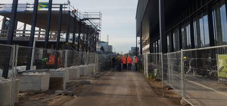 Straks nooit meer zoeken naar een plek: eerste deel nieuwe (luxe) fietsenstalling station Tilburg staat