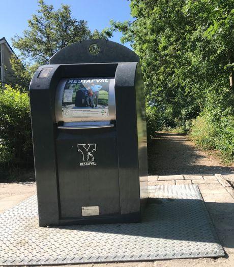 Bewoners Rondeel Zaltbommel 'Afvalcontainer Avri staat nu op levensgevaarlijke plek'