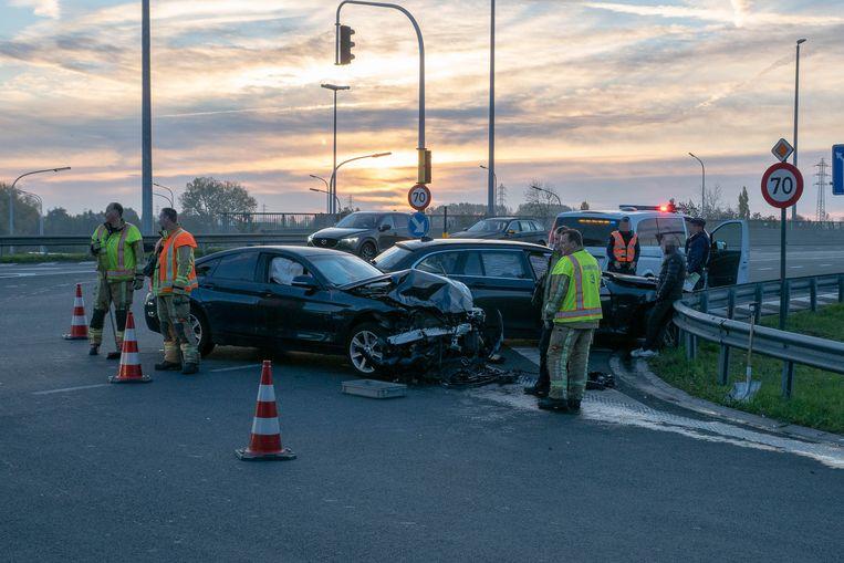 De twee voertuigen werden tot schroot herleid.