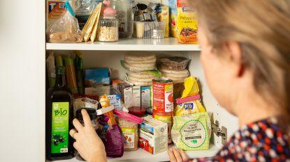 Hoelang blijven producten in je voorraadkast echt goed? Professor voedselveiligheid geeft uitleg