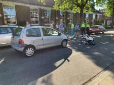 Scooterrijder gewond bij botsing met auto in Apeldoorn