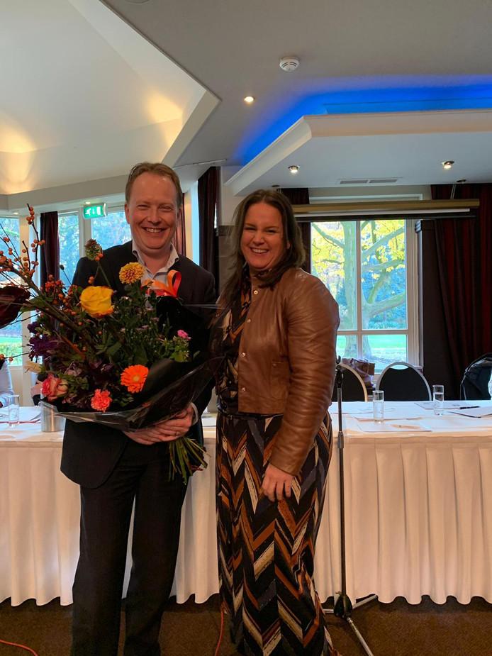Chris van Roon nam woensdag afscheid als voorzitter van de NVM-afdeling Zuidoost-Brabant. Debbie Mels volgt hem op.