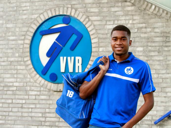Hij woont inmiddels in Breda, maar blijft in Rijsbergen bij VVR voetballen. Gilberto Quiala voelt zich thuis bij de dorpsclub.