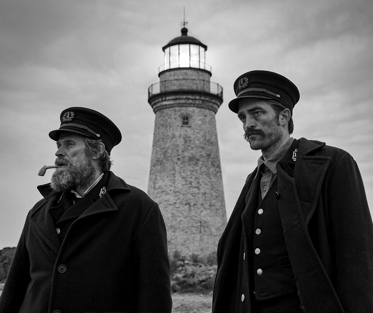 Willem Dafoe en Robert Pattinson in 'The Lighthouse'.