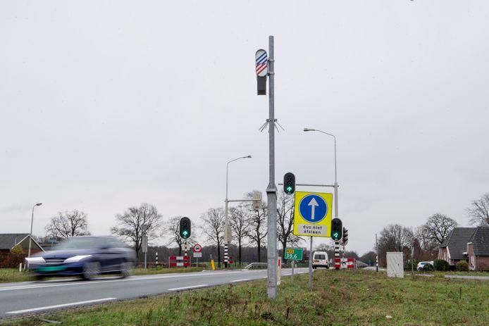 Flitspaal 3552 tussen Nijverdal en Wierden zorgde volgens Alfons Schotman van de Raalter wasserij Lips Plus onterecht voor bonnenregen.