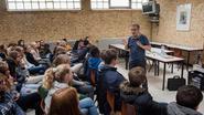 Leerlingen ontmoeten jeugdauteur Guy Didelez