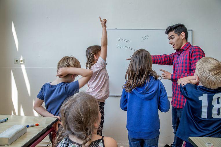 Door de toelatingstoetsen te schrappen zullen meer intrinsiek gemotiveerde studenten kiezen voor een opleiding aan de pabo.  Beeld Jean-Pierre Jans