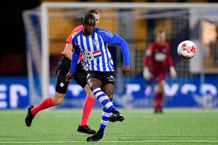 Marcelo Lopes in actie voor FC Eindhoven.