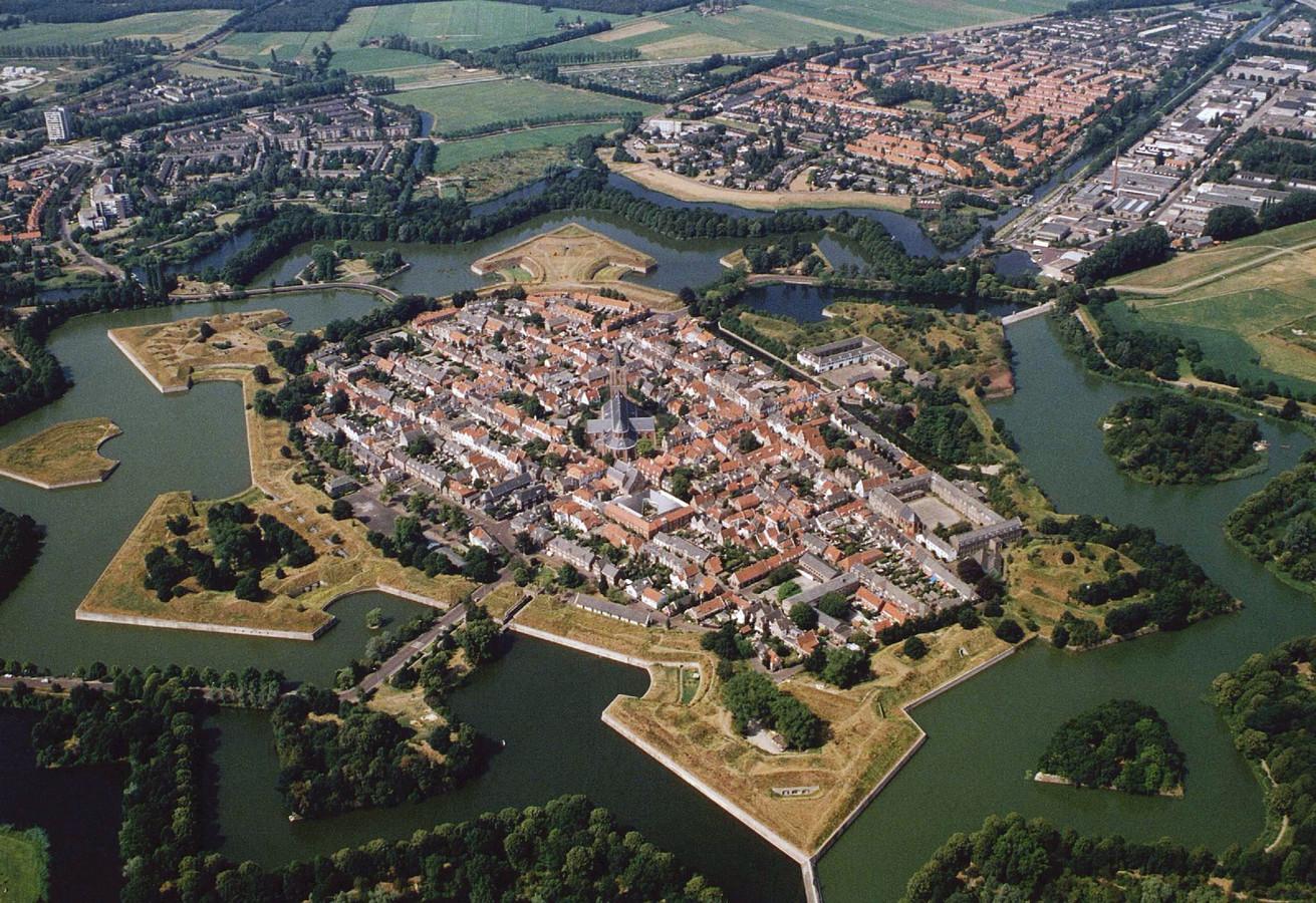Luchtfoto Naarden Vesting.