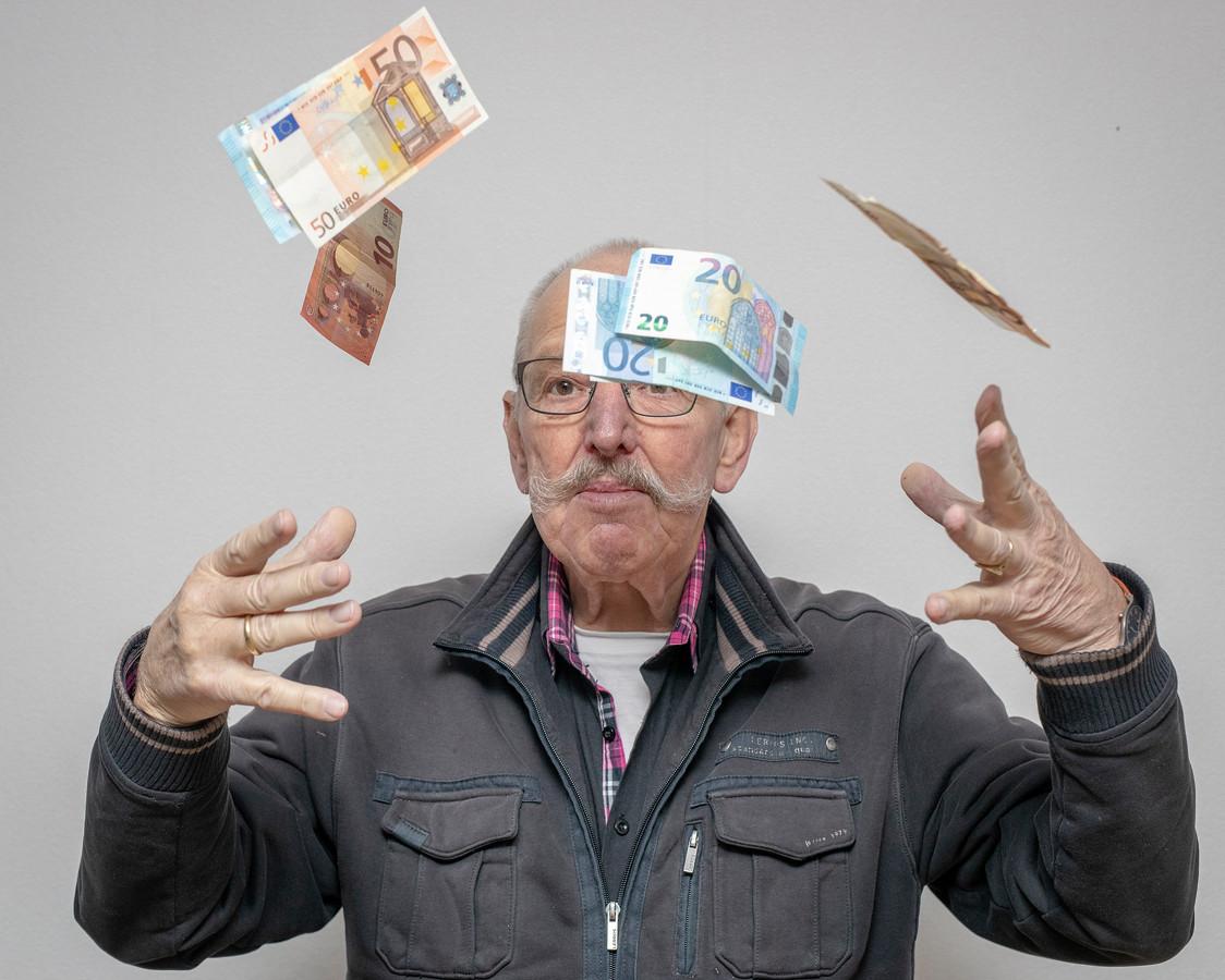 Alphen gooit geld over de balk, zegt Benthuizer Danny Uitenbroek (72).