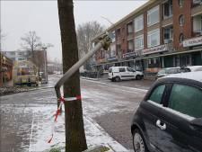 Politie Deventer zoekt groene auto zonder voorbumper