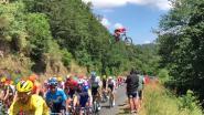 Waanzinnig! Downhiller springt opnieuw over Tourpeloton