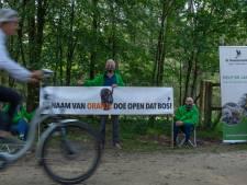 Koning sluit dinsdag poorten van Kroondomein bij Apeldoorn, anti-jachtlobby richt pijlen op hem: 'In naam van Oranje, doe open dat bos!'