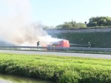 Flinke verkeershinder door brandend busje op Wippolderlaan