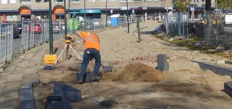 Van Doorn Infra legt 'rode loper' uit op Stadhuisplein in Veghel
