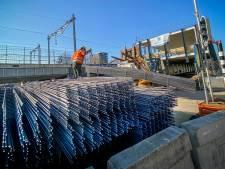 Straatbeeld: Tonnen staal voor fietsenstalling Spoorzone