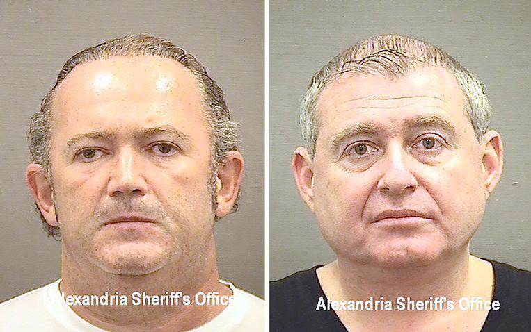 Een politiefoto van Igor Fruman (links) en Lev Parnas na hun arrestatie op de luchthaven Dulles bij Washington.   Beeld EPA