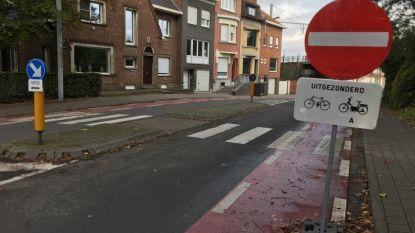 """In één maand bijna 27.000 euro aan boetes voor negeren van eenrichting: """"Signalisatie nochtans duidelijk"""""""