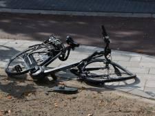 Fietser aangereden door automobilist op vernieuwde Apeldoornseweg in Arnhem