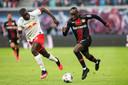 Upamecano in duel met Moussa Diaby.