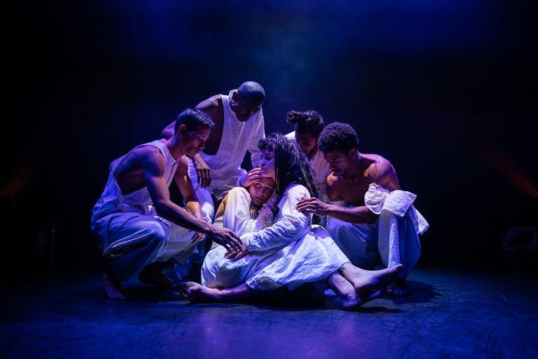 Ayahuasca, uitgevoerd door ISH Dance Collective. Beeld Sjoerd Derine