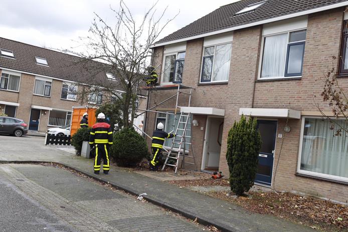 Op de Leuskenhei in Veldhoven stond een steiger op omvallen.