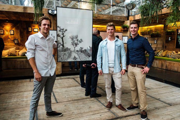 Studenten organiseren tentoonstelling ten voordele van Ghana. Thijs, Noah en Jean.